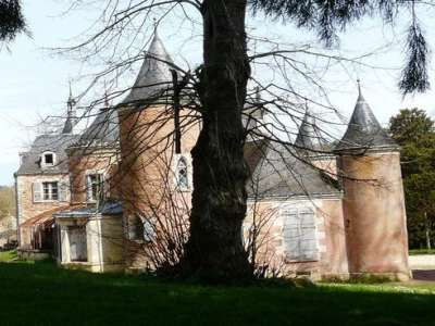 Image 2 | 20 bedroom French chateau for sale with 15.82 hectares of land, St Pierre de Maille, Vienne , Poitou-Charentes 228726