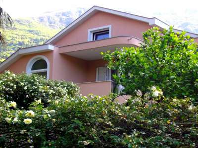 Image 1 | 4 bedroom house for sale with 1,342m2 of land, Risan, Kotor, Coastal Montenegro 228872