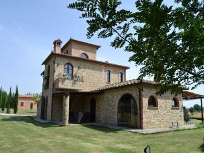 Image 1 | 8 bedroom house for sale with 4.5 hectares of land, Castiglione del Lago, Perugia, Umbria 228885