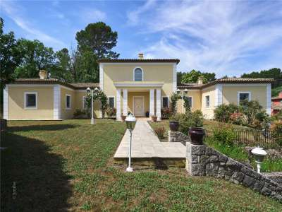 Image 10   5 bedroom house for sale with 0.27 hectares of land, Valbonne, French Riviera 228959