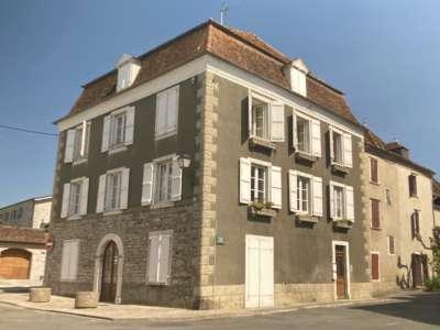 Image 1   4 bedroom commercial property for sale, Sauveterre de Bearn, Pyrenees-Atlantique , Aquitaine 229101