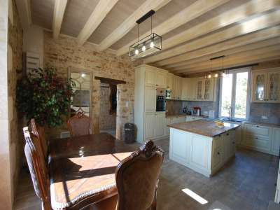 Image 4 | 5 bedroom manor house for sale with 0.41 hectares of land, Couhe, Vienne , Poitou-Charentes 229148