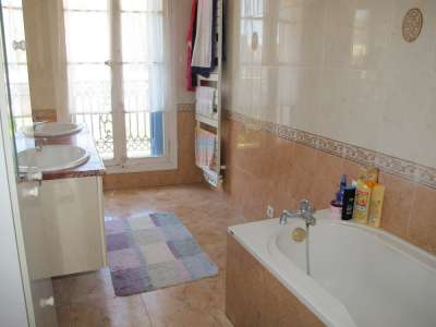 Image 14 | 4 bedroom house for sale with 850m2 of land, Pezenas, Herault , Languedoc-Roussillon 229268