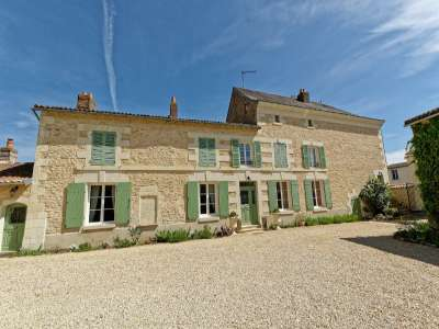 Image 1 | 5 bedroom house for sale with 0.4 hectares of land, Loudun, Vienne , Loire Valley 229350