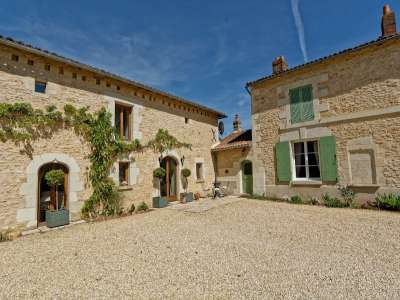 Image 2 | 5 bedroom house for sale with 0.4 hectares of land, Loudun, Vienne , Loire Valley 229350