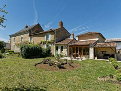Image 3 | 5 bedroom house for sale with 0.4 hectares of land, Loudun, Vienne , Loire Valley 229350