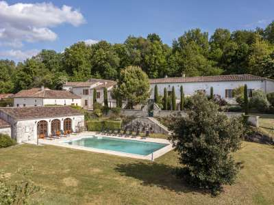 Image 1   15 bedroom house for sale with 4.05 hectares of land, Cognac, Charente , Poitou-Charentes 229529