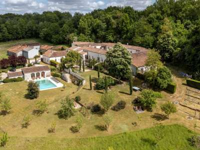 Image 3   15 bedroom house for sale with 4.05 hectares of land, Cognac, Charente , Poitou-Charentes 229529