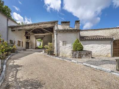 Image 9   15 bedroom house for sale with 4.05 hectares of land, Cognac, Charente , Poitou-Charentes 229529