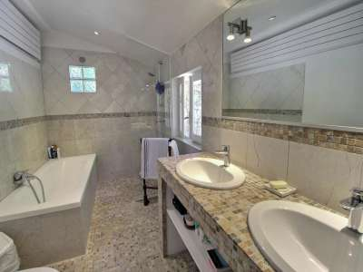 Image 12   5 bedroom house for sale with 0.4 hectares of land, Tourrettes, Var , Cote d'Azur French Riviera 229638
