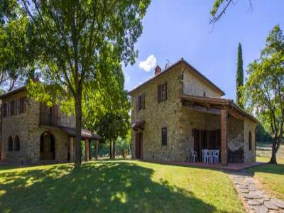 Image 1   4 bedroom farmhouse for sale with 1 hectares of land, Siena, Chianti Wine Region 229813