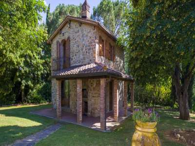 Image 10   4 bedroom farmhouse for sale with 1 hectares of land, Siena, Chianti Wine Region 229813