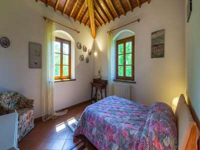 Image 23   4 bedroom farmhouse for sale with 1 hectares of land, Siena, Chianti Wine Region 229813