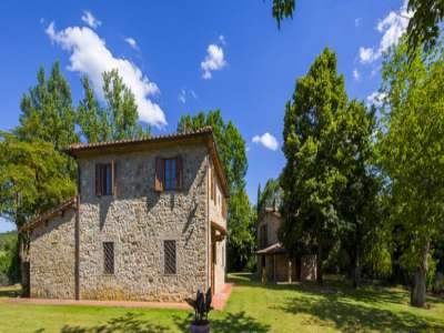 Image 3   4 bedroom farmhouse for sale with 1 hectares of land, Siena, Chianti Wine Region 229813
