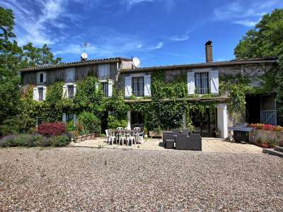 Image 1 | 7 bedroom farmhouse for sale with 4.85 hectares of land, Limoux, Aude , Languedoc-Roussillon 230137