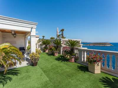 Image 16   9 bedroom villa for sale with 1,430m2 of land, Cala Vinyes, South Western Mallorca, Mallorca 230180