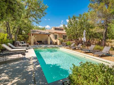 Image 2   5 bedroom villa for sale with 1,900m2 of land, Gordes, Vaucluse , Luberon 230269