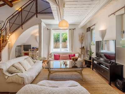 Image 3   5 bedroom villa for sale with 1,900m2 of land, Gordes, Vaucluse , Luberon 230269