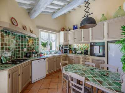 Image 5   5 bedroom villa for sale with 1,900m2 of land, Gordes, Vaucluse , Luberon 230269