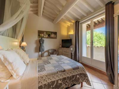 Image 6   5 bedroom villa for sale with 1,900m2 of land, Gordes, Vaucluse , Luberon 230269