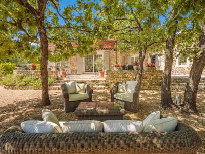 Image 9   5 bedroom villa for sale with 1,900m2 of land, Gordes, Vaucluse , Luberon 230269
