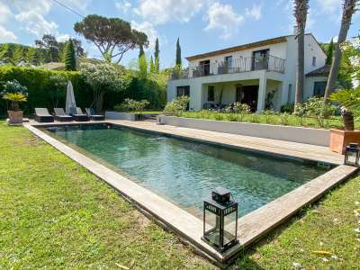 Image 1   3 bedroom villa for sale with 1,470m2 of land, Gassin, St Tropez, French Riviera 230352