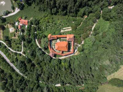 Image 11 | 10 bedroom castle for sale with 0.77 hectares of land, Mirna, Mirna Municipality, Lower Carniola Dolenjska Traditional Region 230553