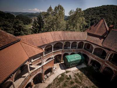 Image 4 | 10 bedroom castle for sale with 0.77 hectares of land, Mirna, Mirna Municipality, Lower Carniola Dolenjska Traditional Region 230553