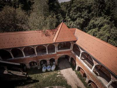 Image 5 | 10 bedroom castle for sale with 0.77 hectares of land, Mirna, Mirna Municipality, Lower Carniola Dolenjska Traditional Region 230553