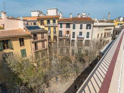 Image 1   2 bedroom apartment for sale, Casco Antiguo, Palma, Palma Area, Mallorca 230982