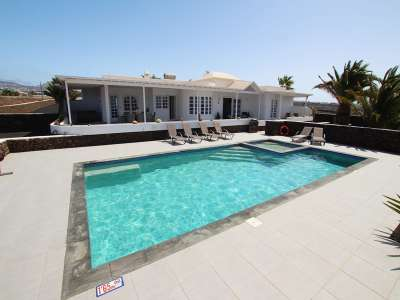 Image 1 | 4 bedroom villa for sale with 0.8 hectares of land, Macher, Southern Lanzarote, Lanzarote 231350