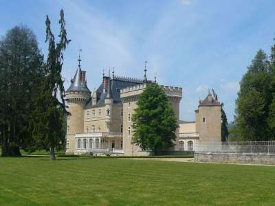 Image 2 |  Spectacular French chateau estate in the Jura 120200