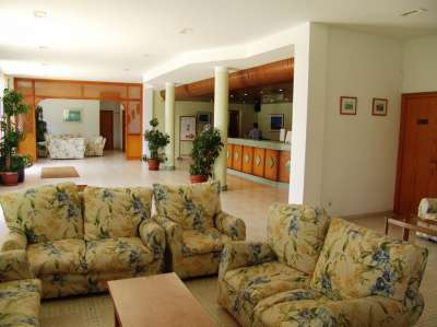 Image 6    Two Impressive Beachside Apart Hotels with over 440 Bedrooms for Sale in Menorca  186539