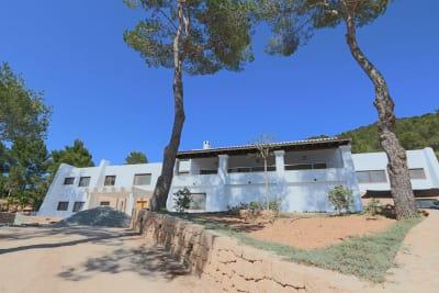 Image 1 | 5 bedroom villa for sale, Santa Eularia des Riu, Ibiza 201074