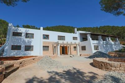 Image 2 |  5 bedroom villa for sale, Santa Eularia des Riu, Ibiza 201074
