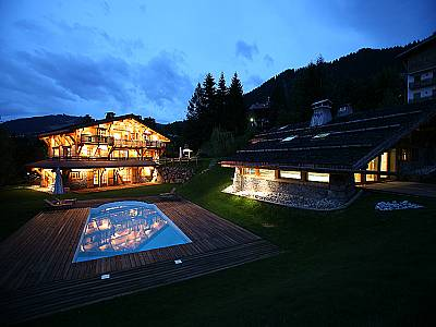 Image 8 | 11 bedroom ski chalet for sale with 3,300m2 of land, Megeve, Haute-Savoie , Rhone-Alpes 126787