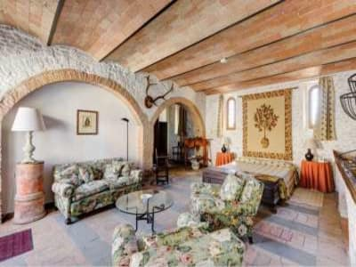 Image 15 | 19 bedroom castle for sale with 940,000m2 land in Chianti, Florence,Italy 177946