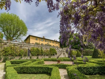 Image 1 | 5 bedroom villa for sale with 1,110,000m2 of land, Lucca, Tuscany 185140