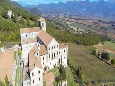 Image 2 | Magnificent renovated former abbey with various apartments for sale in Rieti  194139