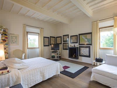 Image 23   6 bedroom villa for sale with 110,000m2 of land, Florence, Chianti 200169