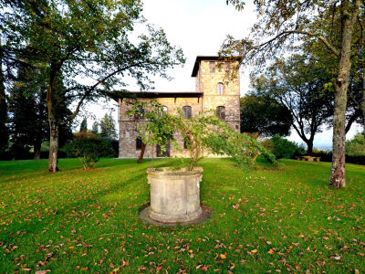 Image 1   25 bedroom villa for sale with 500,000m2 of land, Florence, Chianti 201448