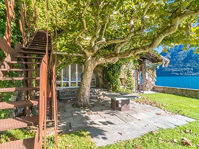 Image 17 | Fabulous Lakeside Property for sale with main dwelling, 9 independent apartments, private jetty and garden. 203239