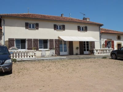 Image 2 | 4 bedroom house for sale with 200,000m2 of land, Availles Limouzine, Vienne , Poitou-Charentes 204622