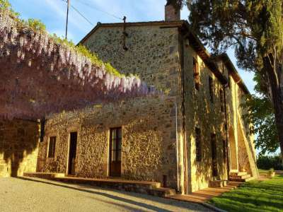 Image 1   12 bedroom farmhouse for sale with 5,600m2 of land, Florence, Chianti 207971