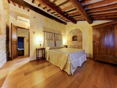 Image 17   12 bedroom farmhouse for sale with 5,600m2 of land, Florence, Chianti 207971