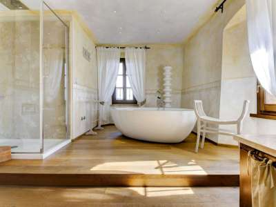 Image 20   12 bedroom farmhouse for sale with 5,600m2 of land, Florence, Chianti 207971