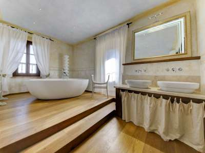 Image 22   12 bedroom farmhouse for sale with 5,600m2 of land, Florence, Chianti 207971