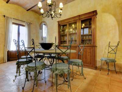 Image 9   12 bedroom farmhouse for sale with 5,600m2 of land, Florence, Chianti 207971