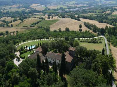 Image 7   Superb Castle for Sale close to Florence with Tourist and Wine Business & 47 Hectares of Land  208304