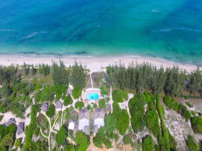 Image 5 | Fabulous Beachfront Lodge, Restaurant and Bar in Pemba Mozambique 209507